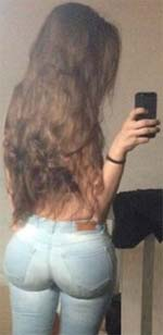 Sehr langes Haar und geilen Arsch - na wer mag mich ficken?