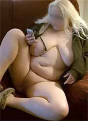 Mollige Blondine